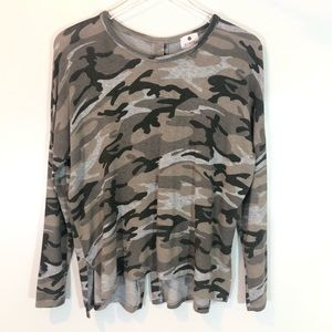 Sundry Oversized Snap Back Camo Knit Top SIZE XS